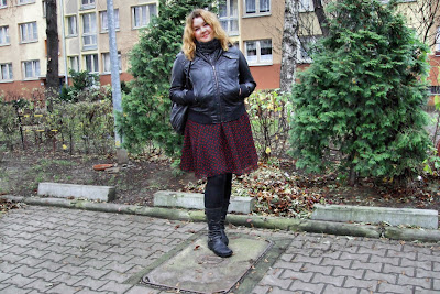 Leather jacket and a summer dress - let's rock'n'roll :)