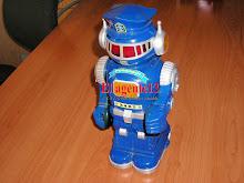 ROBOT POWERBOT 13 PULGADAS , 1986.