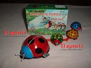 FAMILY BUGS DE HOJALATA A CUERDA