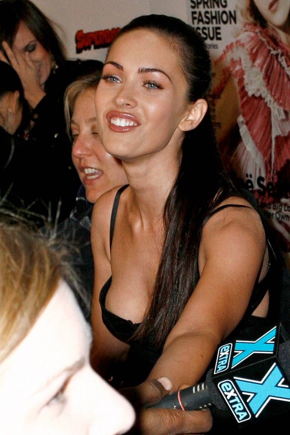 Megan Fox Nipple Slip Pictures