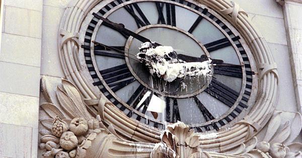 Clockshower (Gordon Matta-Clark, 1973)