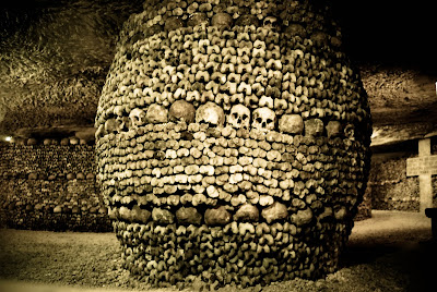 Catacombs+of+Paris+bone-pillar.jpg