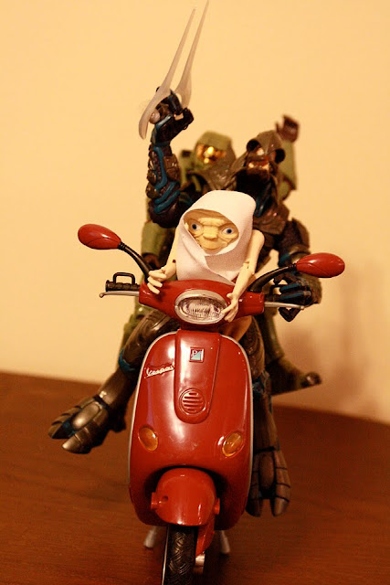 Master chief off duty, ET, vespa, Arbiter got a motorcycle!! Part2