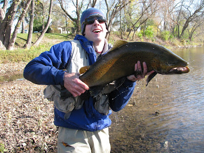 Great lakes angler chicago trout bum scores some trout for Milwaukee river fishing report