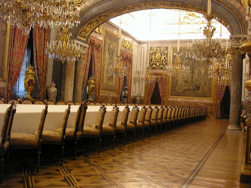 Da non perdere a madrid il palacio real for Sala da pranzo reale