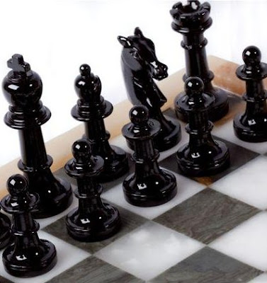 L'alabastro e gli scacchi, fascino di una collezione