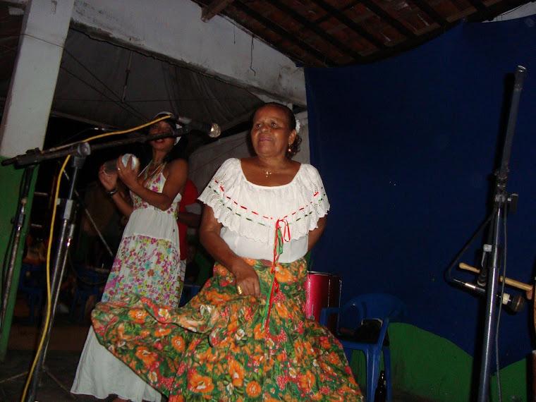 Participação Especial de Dona Cila do Coco !