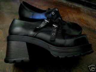 Hoću OVO! - Page 2 Gothic+shoes-2