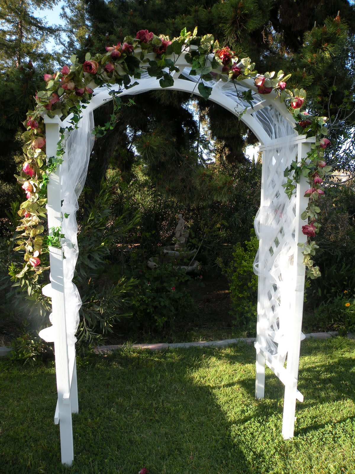 Rent THE Perfect Wedding Wooden Lattice Arch