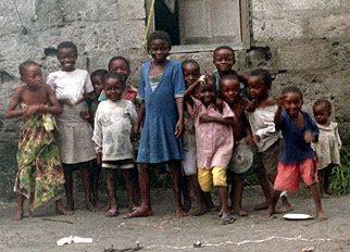 http://3.bp.blogspot.com/_4Ch_01hMrc8/SthA_I5I8aI/AAAAAAAAN9I/f3Exx4oFd_4/s400/20041118_kinshasa_children.jpg