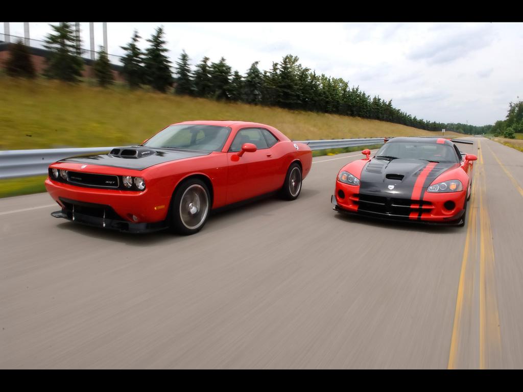 http://3.bp.blogspot.com/_4Cwx1Lb9iWM/TJwodR5LCOI/AAAAAAAAAP8/VaGhFWIQ3To/s1600/2009-Dodge-Challenger-SRT10-Concept-Duo-Front-Angle-Speed-1024x768.jpg