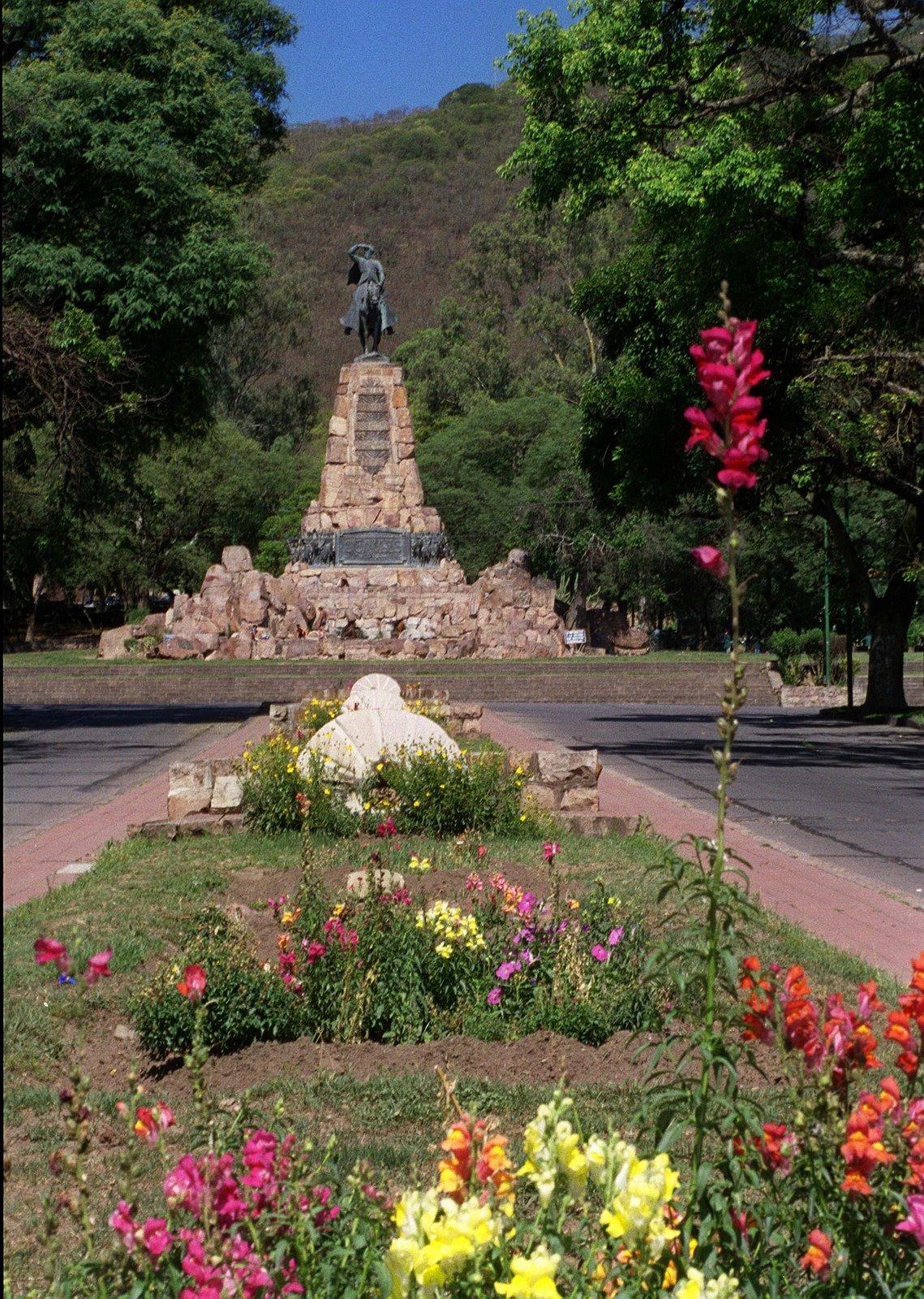 Monumento al Gral. Martin Miguel de GÜEMES