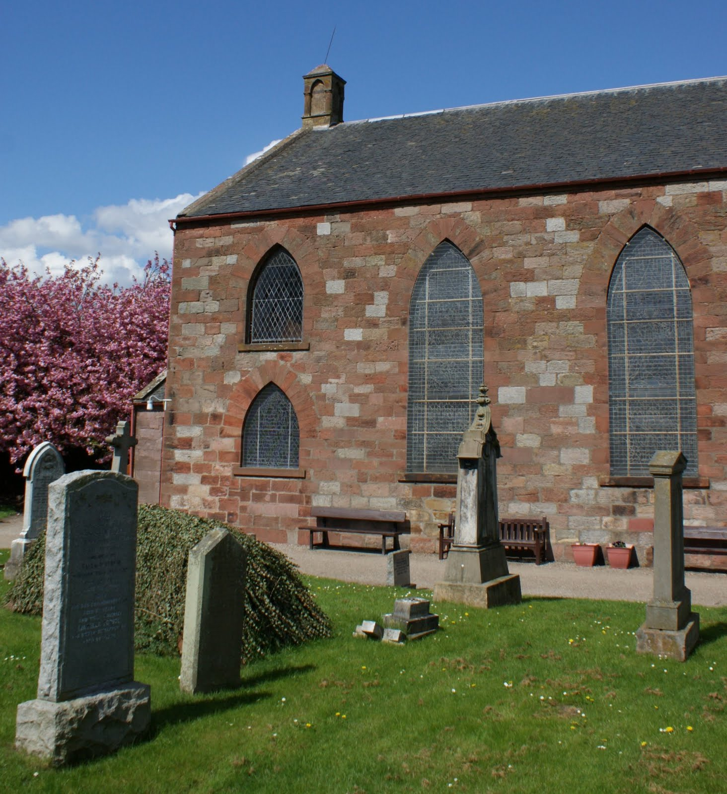 Tour scotland photographs may 7th photographs kirk of st for Abernathy house