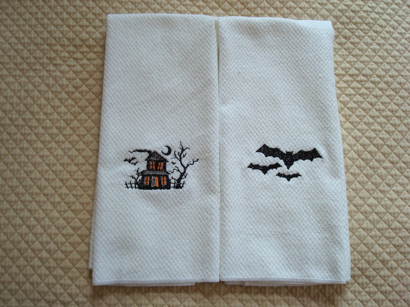 Closet Crafter: Halloween Kitchen Towels