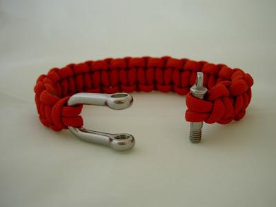 how to make a shackle bracelet