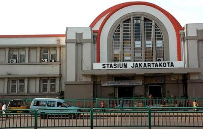 Jakarta&#8217;s Art Deco Kota Train station