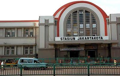 Jakarta's Art Deco Kota Train station
