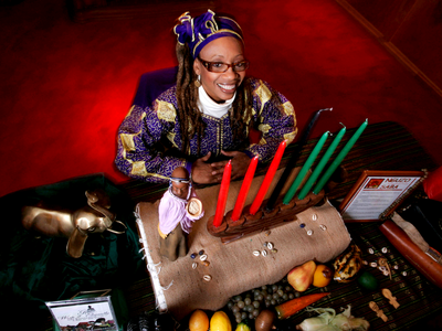 Witch Mom Happy Kwanzaa Everyone