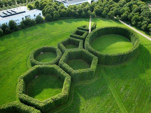 Surdaka el jardin geometrico for Jardin geometrico