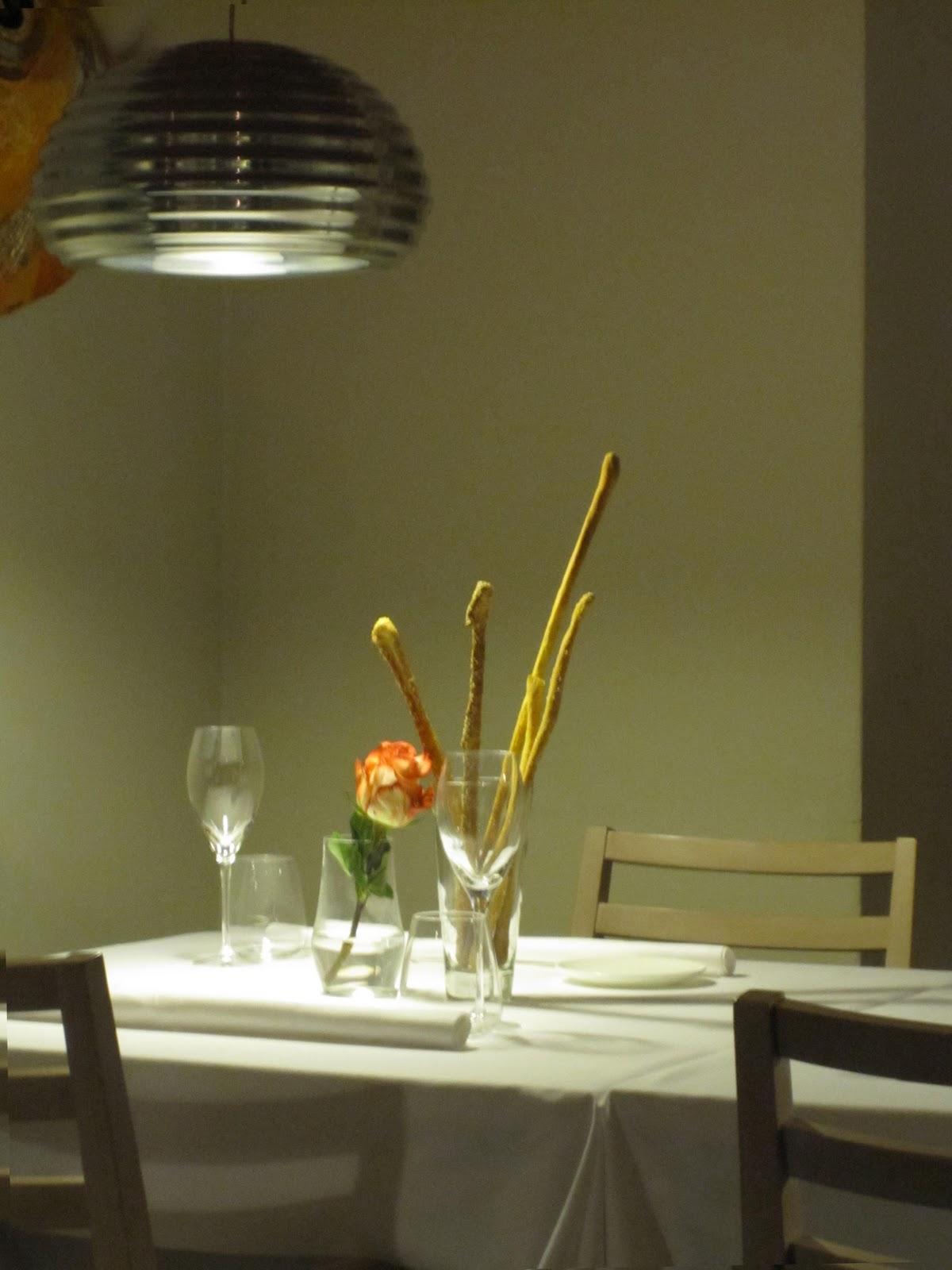 Forum Arredamento.it •illuminare tavolo tulip nero