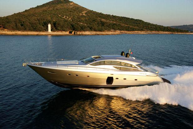 Pershing 72 Yacht