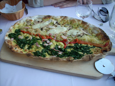 Una espectacular pizza La Tagliatella, foto Xavi Masip