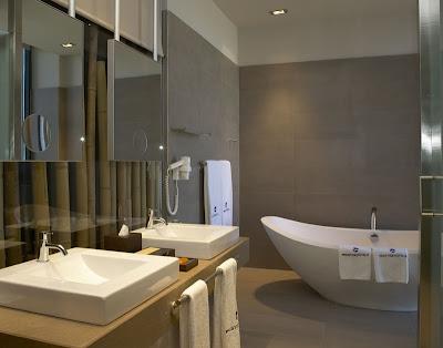 baño de una de las habitaciones del Hotel Prestige Congress de l'Hospitalet de Llobregat