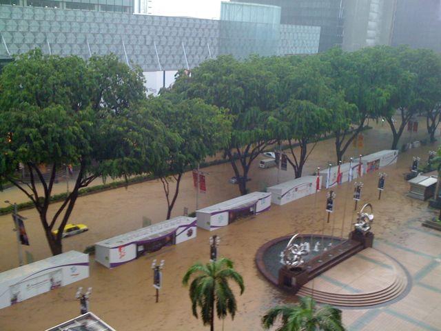 external image singapore_orchard_flood.jpg