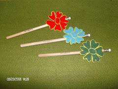 Lápis com flor