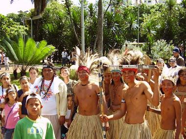 Com os índios de MS