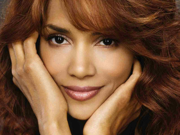 halle berry face wallpapers 1907 1024 Halle Berry photo sexywomanpics.com
