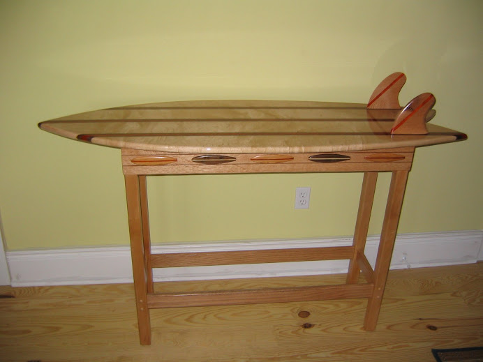 The Lis Fish Table