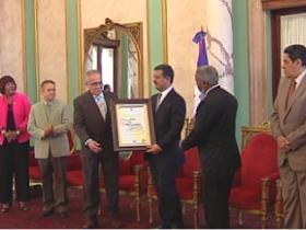 Gómez Pepín recibe Premio Nacional de Periodismo