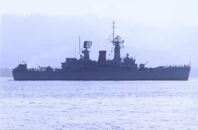 Kapal perang Indonesia sedang patroli disekitar perairan Ambalat ...