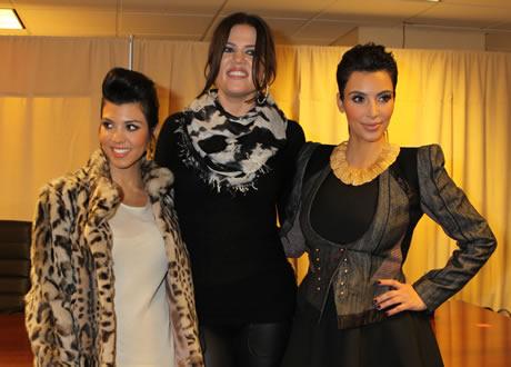 Kardashian Boob on Kim Kardashian Drinks Sister   S Breast Milk