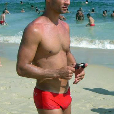 swimpixx blog for sexy speedos, free pics of speedo men, hot men in speedos and swimwear. Brazilian homens nos sungas abraco sunga<br />
