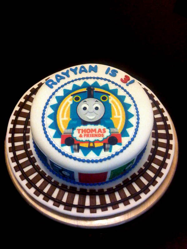 Mysugarart Blog A Simple Thomas The Tank Engine Cake