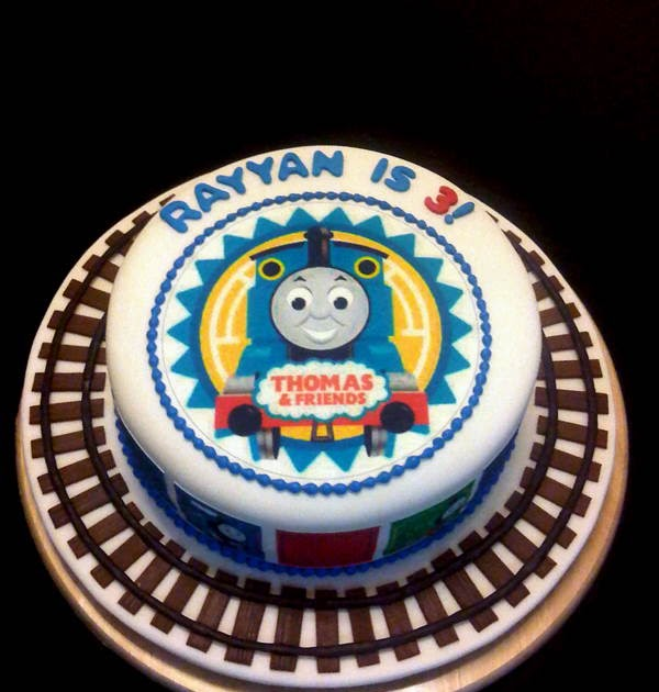 MySugarArt blog: A simple Thomas the Tank Engine cake