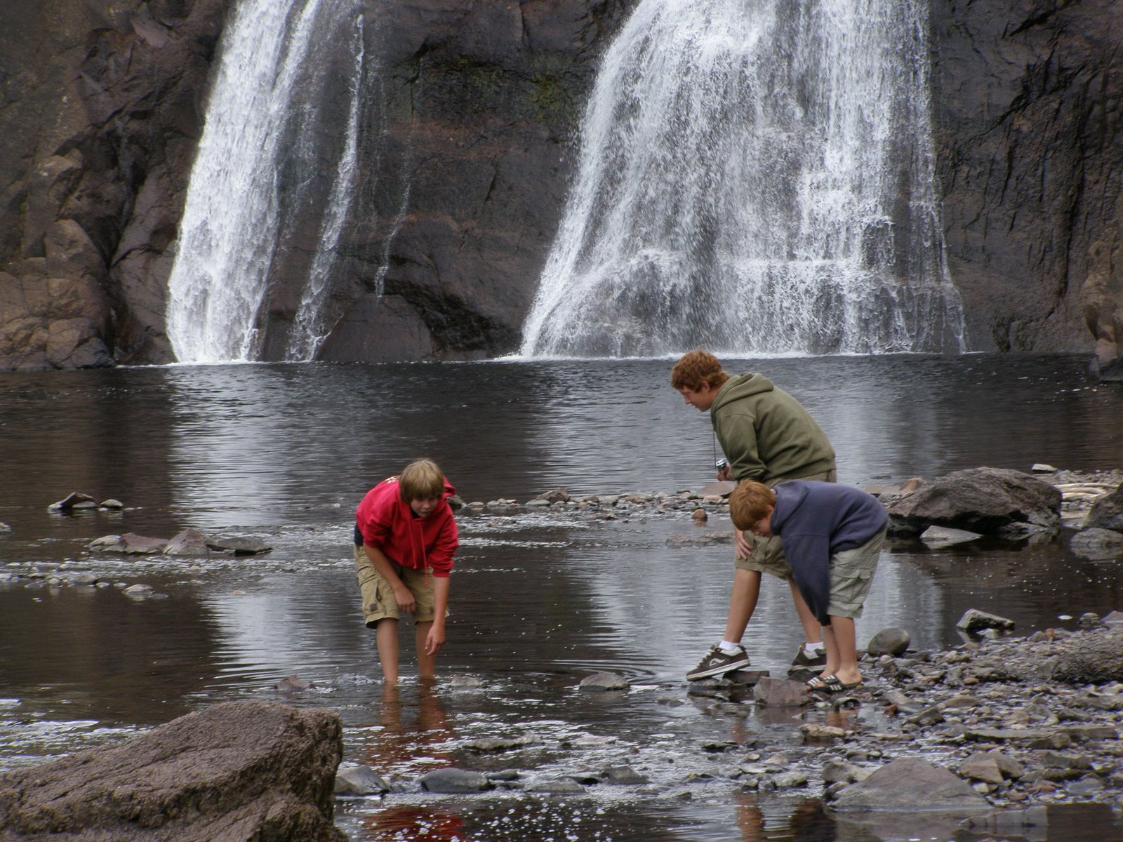 base of high falls, tettegouche state park