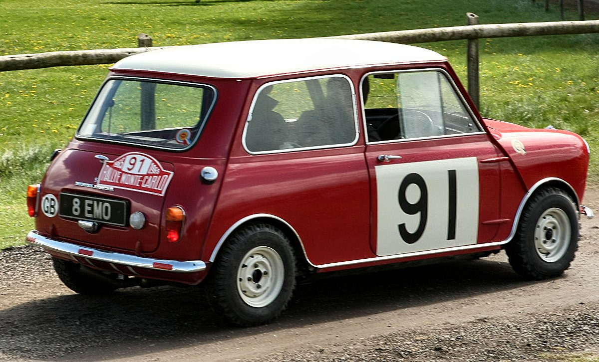 UK Car Registrations: Popham Wings & Wheels Rally May Day 2010