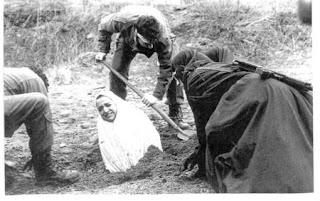 foto eksekusi Hukuman mati untuk gadis perawan di Iran