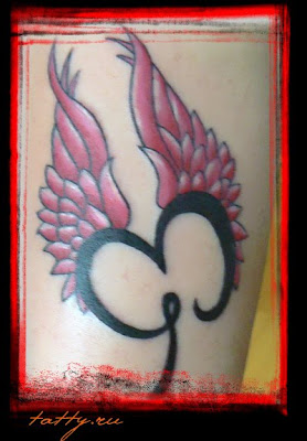 hand tattoo wings style for women