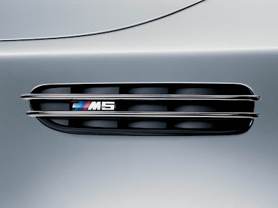 bmw m5 wallpapers. 2007 BMW M5