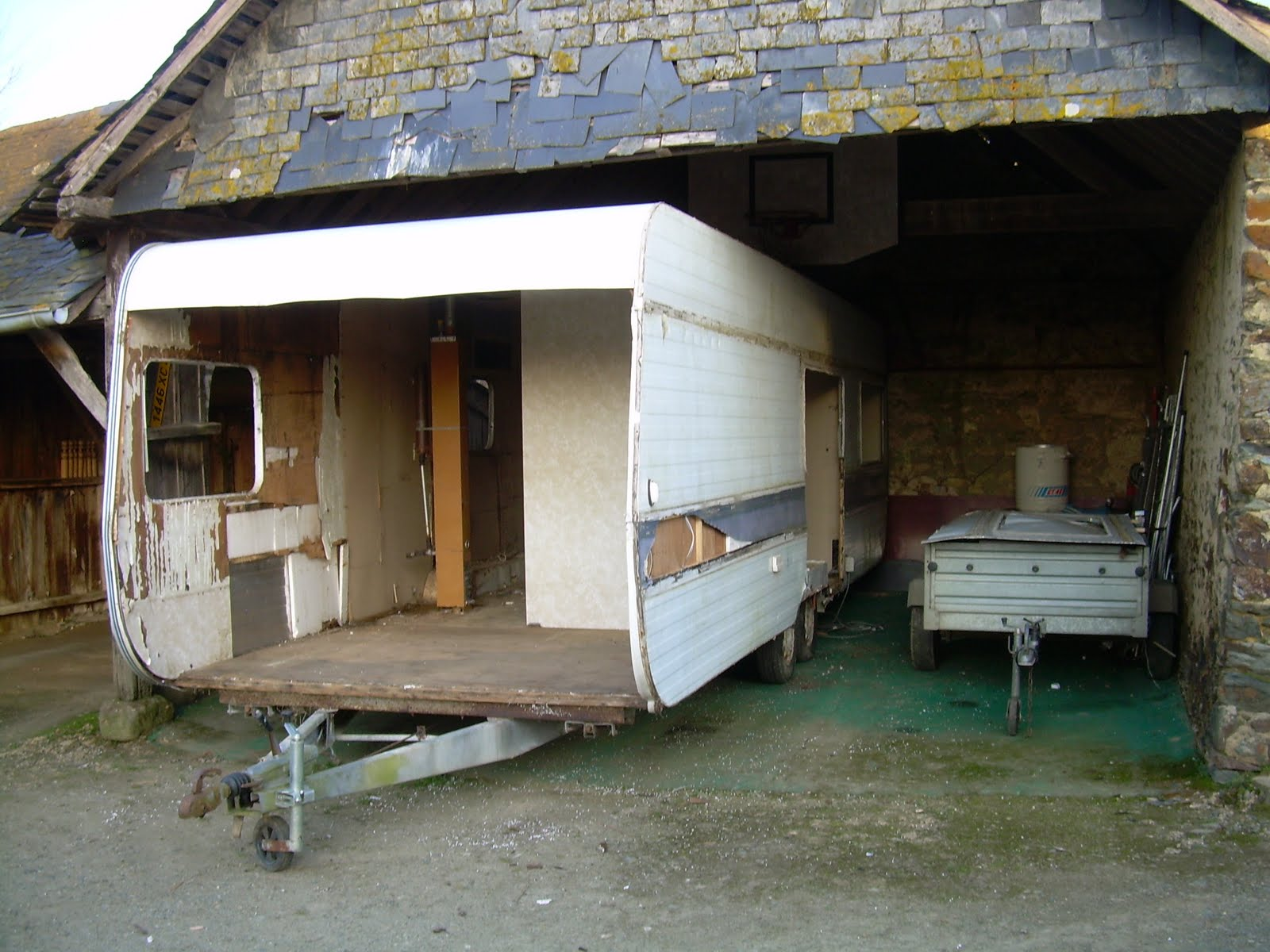 halte terre native juin 2010. Black Bedroom Furniture Sets. Home Design Ideas