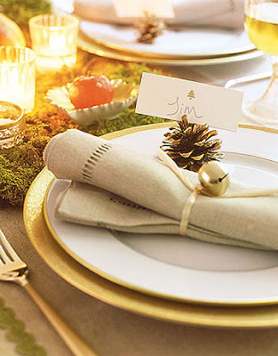 Jalissa 39 s blog traditional theme is common in winter for Country living christmas table settings