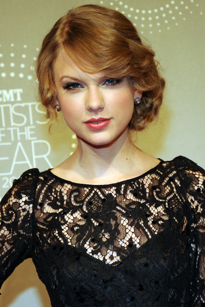 Taylor Swift Natural Hair, Long Hairstyle 2011, Hairstyle 2011, New Long Hairstyle 2011, Celebrity Long Hairstyles 2075