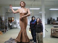 la escultora Alicia Huertas