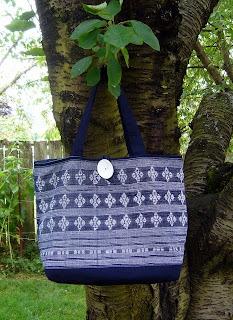 Güzel örgü Çantalar inanılmaz yetenekli terzi ve tasarımcı.