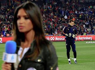 sara+casillas Sara Carbonero culpable de la derrota de España