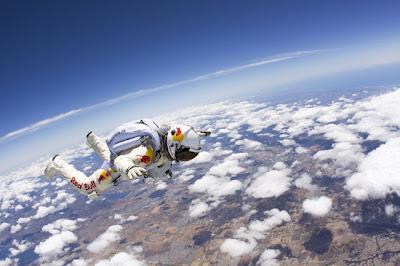 nubes+grande El salto al vacío más alto de la historia